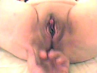 Clitoris fingering pussy