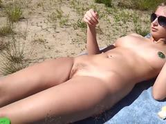 Sex bombs adore sucking the rods on the beach